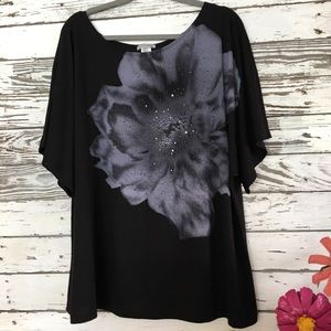 Gorgeous Classy Black top, gray /silver artistic